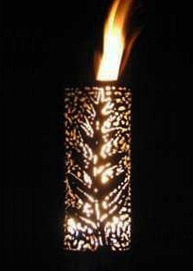 Outdoor Gas Tiki Torch - Hand Crafted Palm Leaf Tiki Torch - web